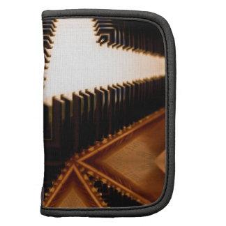 El piano cierra geométrico organizador