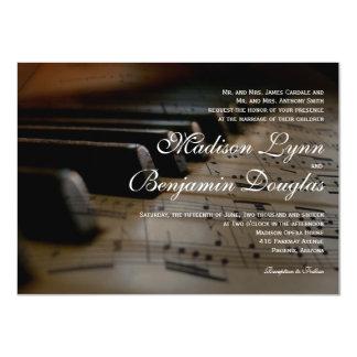 El piano cierra invitaciones del boda de la invitación 11,4 x 15,8 cm