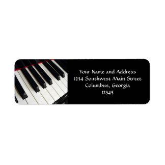 El piano cierra la fotografía etiquetas de remite