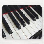 El piano cierra la fotografía tapete de ratón
