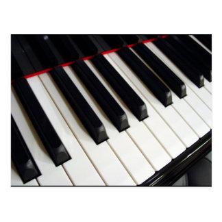 El piano cierra la fotografía tarjeta postal