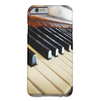 El piano cierra los regalos de la música funda de iPhone 6 barely there