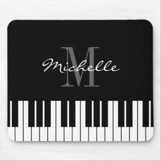El piano con monograma cierra el cojín de ratón mousepads