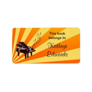 El piano de cola observa etiquetas del Bookplate d Etiquetas De Dirección