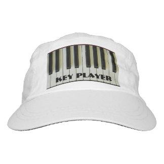 El piano del protagonista cierra el texto gorra de alto rendimiento