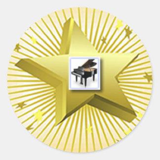 El piano lleva al pegatina musical del guión