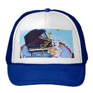 El piano lleva el carácter gorros bordados