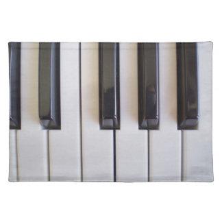 el piano observa v1 manteles