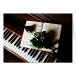 El piano y el boda color de rosa le agradecen las  felicitaciones