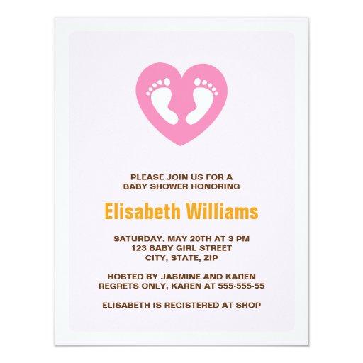 El pie rosado del corazón imprime la invitación de invitación 10,8 x 13,9 cm
