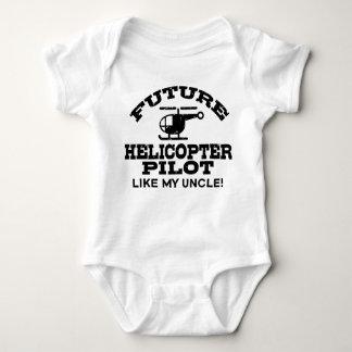 El piloto futuro del helicóptero tiene gusto de mi body para bebé