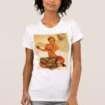 El Pin del vintage encima del chica junta con te y Camisetas