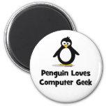 El pingüino ama al friki del ordenador imán
