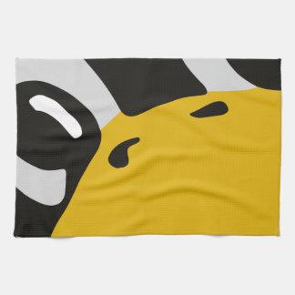 el pingüino del tux del linux observa el retrato toallas