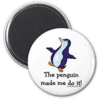 ¡El pingüino hizo que lo hace! Imán Redondo 5 Cm
