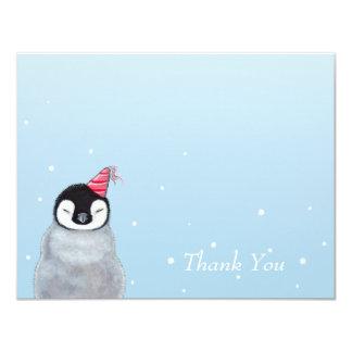"""El pingüino lindo del bebé con el gorra del fiesta invitación 4.25"""" x 5.5"""""""