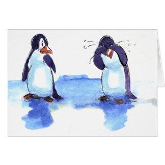 el pingüino rasga tarjetas