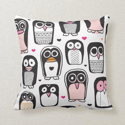 El pingüino retro lindo embroma el hogar de la alm almohada