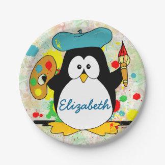 El pintor artístico del pingüino personaliza platos de papel