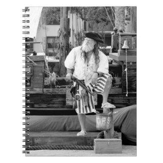 el pirata con el barco de la nave piratea imagen libros de apuntes