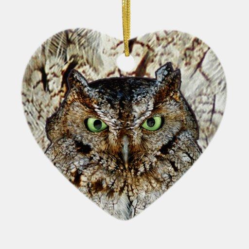 El pitido del búho observa el pájaro animal adorno de cerámica en forma de corazón