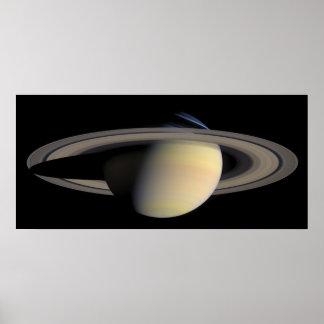 El planeta Saturn de la órbita de Cassini Posters
