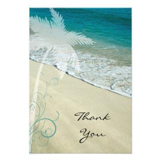 El plano tropical de la playa le agradece tarjeta  invitaciones personales