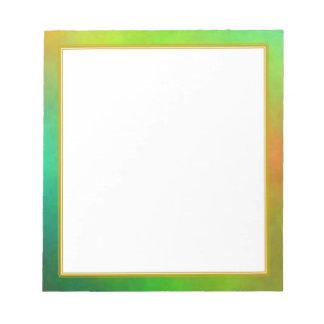 El plasma verde se nubla el pequeño cuaderno de no bloc de notas