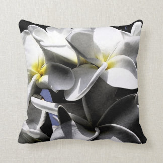 El Plumeria artístico florece la almohada