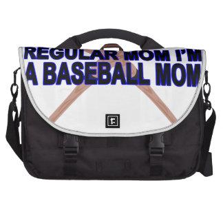 El .png de las camisetas de las mamáes del béisbol bolsas de ordenador