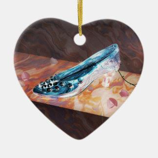 El poco deslizador de cristal adorno navideño de cerámica en forma de corazón