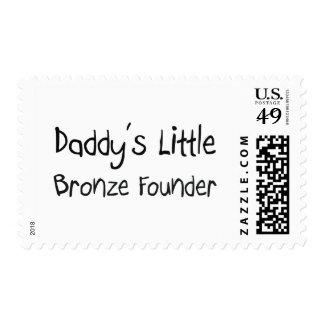 El poco fundador de bronce del papá envio