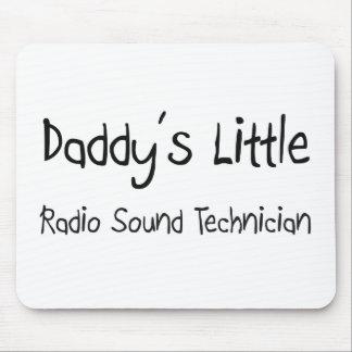 El poco técnico sano de radio del papá tapetes de ratones