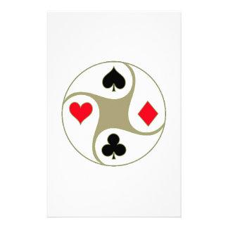El póker se adapta al papel inmóvil  papeleria