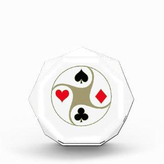 El póker se adapta al pequeño premio de acrílico