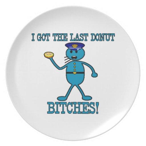 El poli tiene buñuelo pasado platos para fiestas