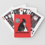 El pollo el rabiar presiona el | la mano que le tr barajas de cartas