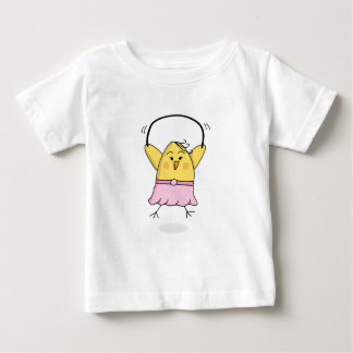 El polluelo de la camiseta de los chicas salta playeras