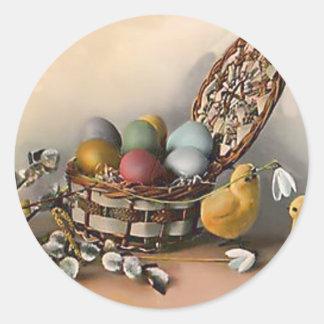 El polluelo de la cesta de Pascua coloreó el lirio Pegatinas Redondas