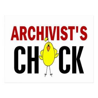 El polluelo del archivista postal