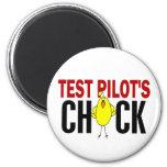 El polluelo del piloto de prueba imán