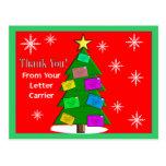 El portador de letra (cartero) le agradece las pos tarjetas postales