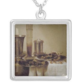 El postre, 1637 collar plateado