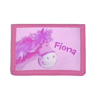 El potro rosado /horse de los niños añade su nombr
