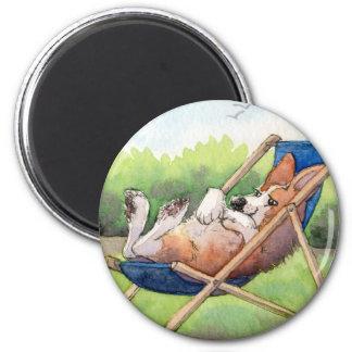 El practicar para el verano - Corgi en un Deckchai Imán Redondo 5 Cm
