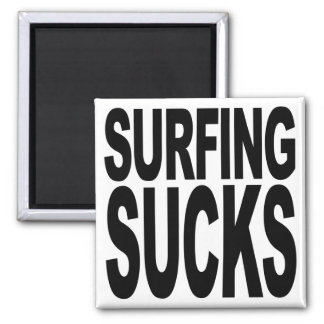 El practicar surf chupa imán de frigorífico