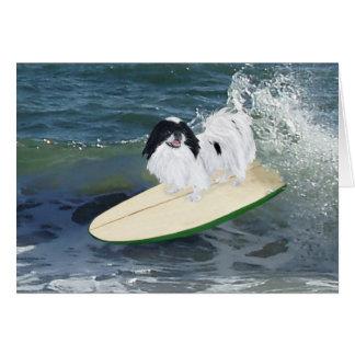 El practicar surf de Chin del japonés Tarjeta De Felicitación