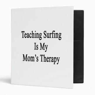 El practicar surf de enseñanza es la terapia de mi