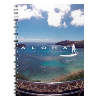 El practicar surf de Hawaii de la bahía de Hanauma Libros De Apuntes Con Espiral
