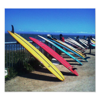 El practicar surf del océano póster